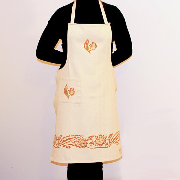 grembiule-cotone-girasole-ruggine-indossato